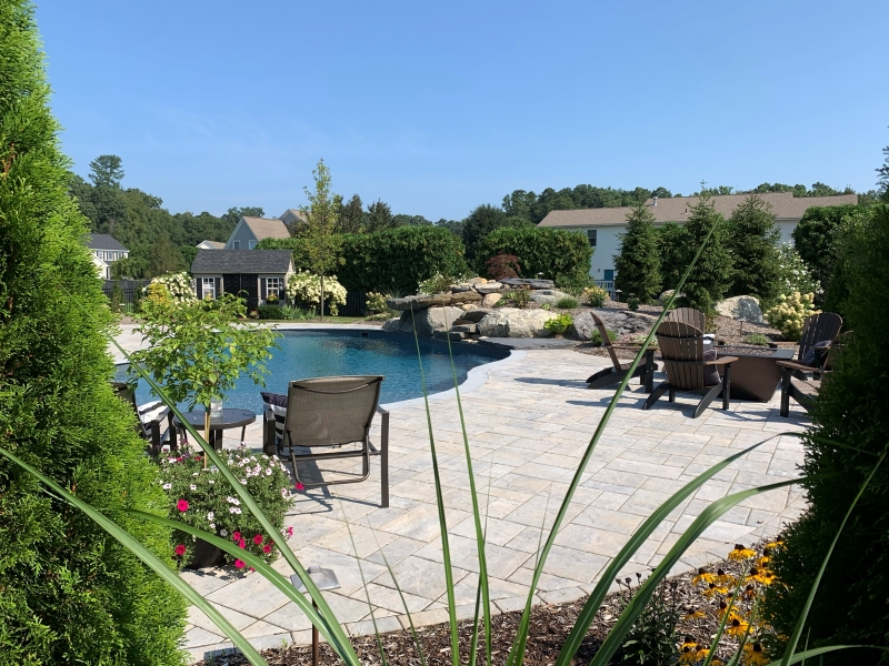 OUTDOOR ENTERTAINMENT-WESTFIELD, MA-01085