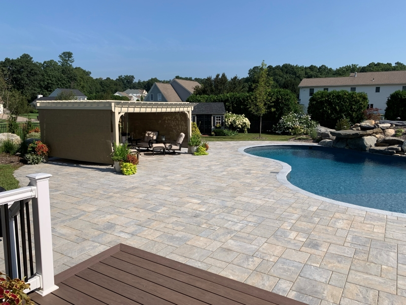 OUTDOOR LIVING SPACE-WESTFIELD, MA-01085